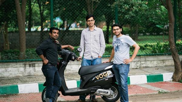 Flush with funds, startups speed up hiring in slowing economy